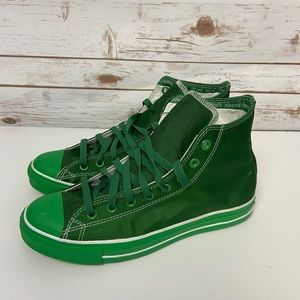 """Converse  """"I am Green"""" Limited Edition with Tag"""